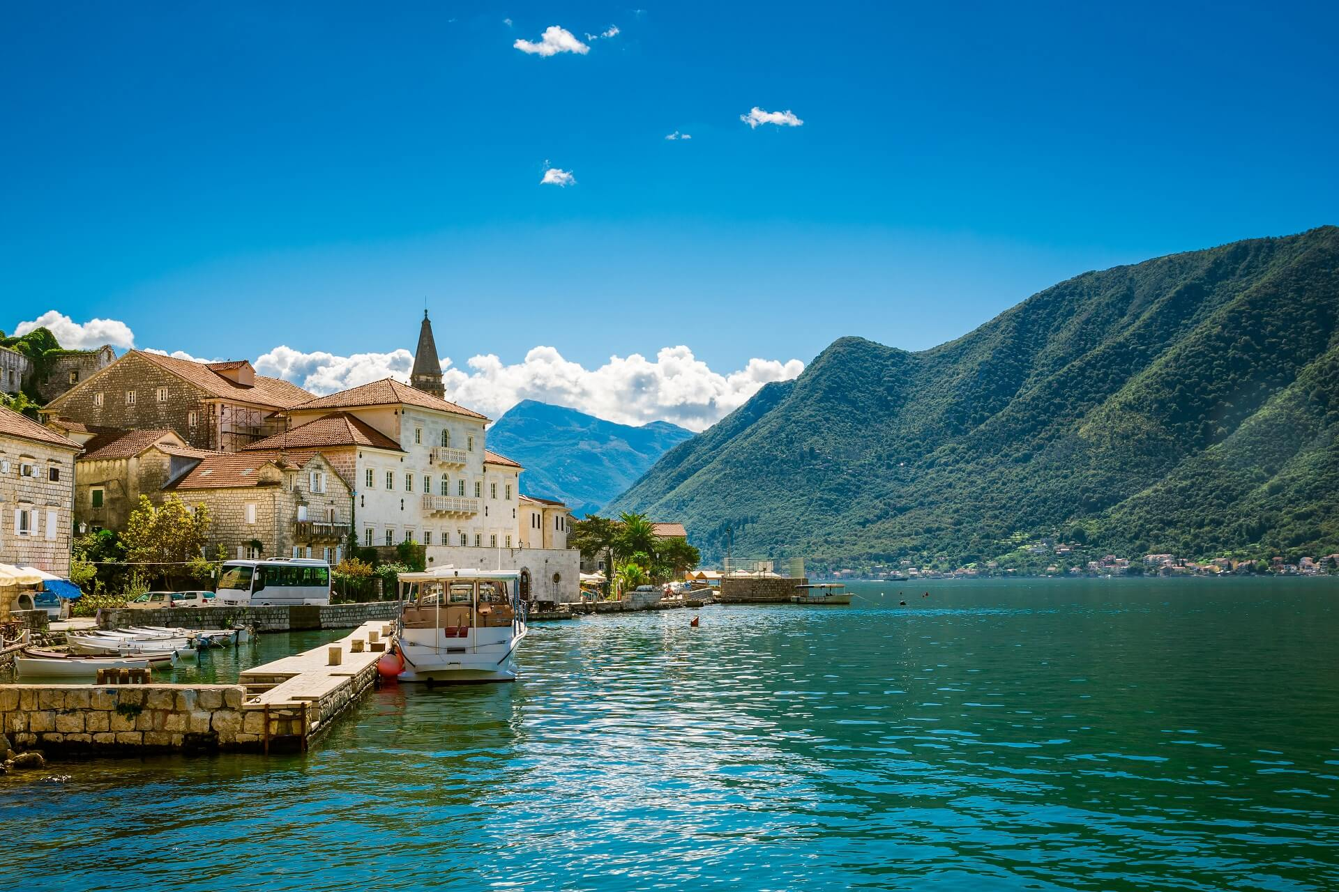 Perast bay of kotor tour bay of kotor tours kotor for Hotel design kotor