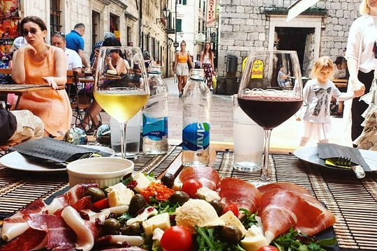 food and wine tasting kotor tour